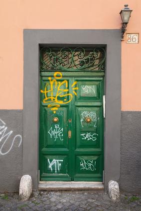Fassadenreinigung Graffitibeseitigung