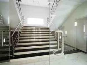 Treppenhausreinigung Bürogebäude