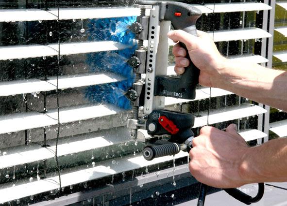 raffstorereinigung-jalousienreinigung-reinigungmitbürstenwalzensystem-amendt gebäudereinigung